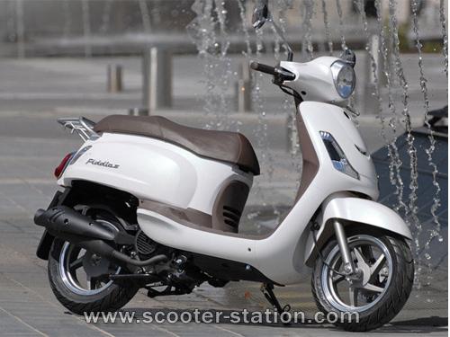 scooter imitation vespa